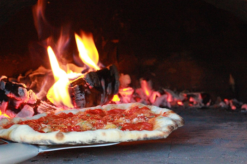 marinara-coming-out-of-pizza-oven
