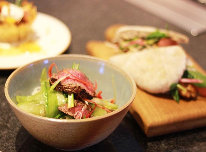 Aromatic beef salad