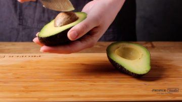 how to cut avocado