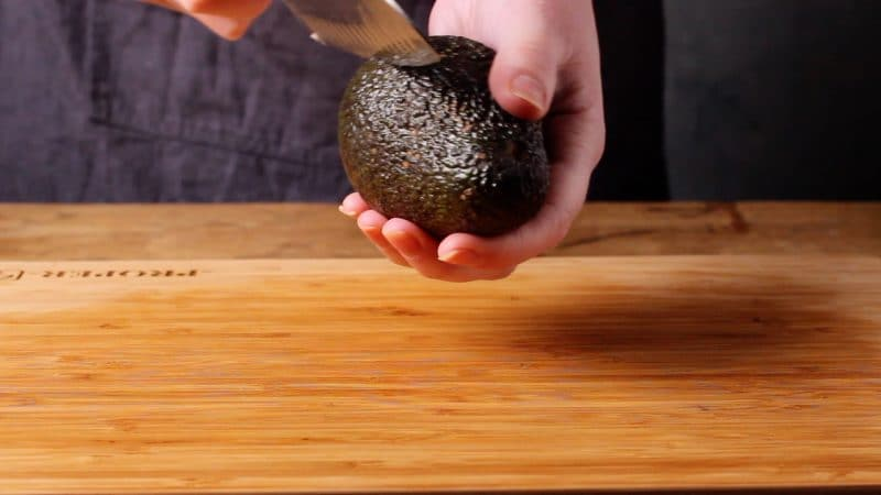 how to cut avocado around the stone