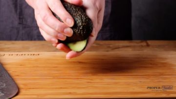 how to cut avocado cut and twist