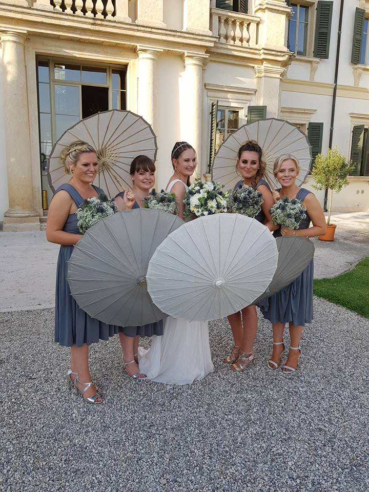 bride and bridemaids and villa bertani