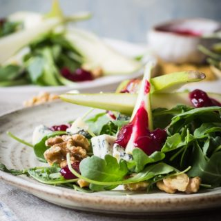 pear walnut and gorgonzola salad