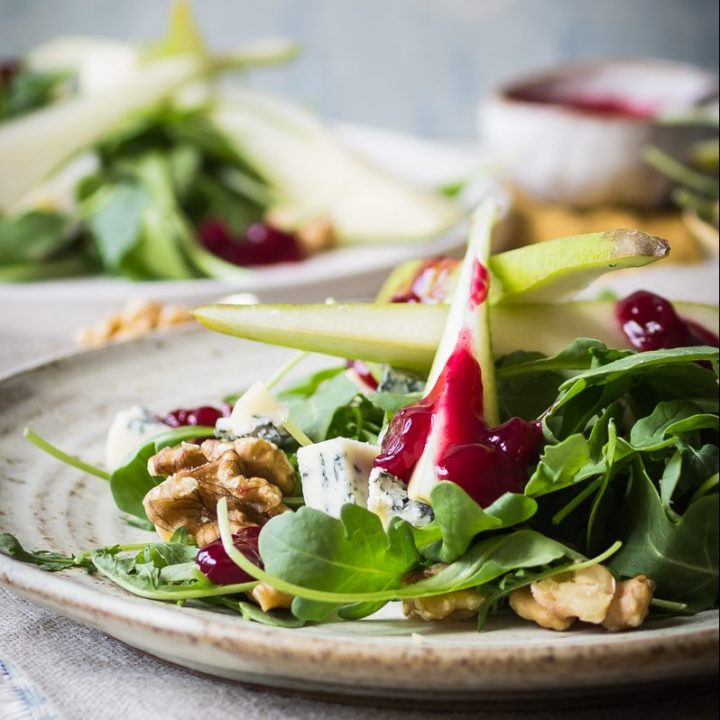 pear walnut and gorgonzola salad