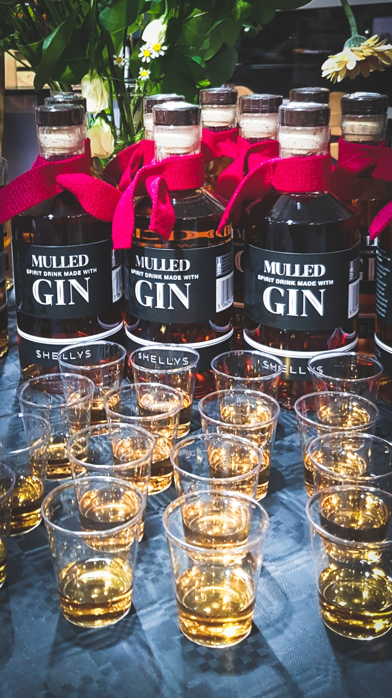 booths mulled gin