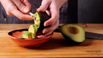 how to slice avocado