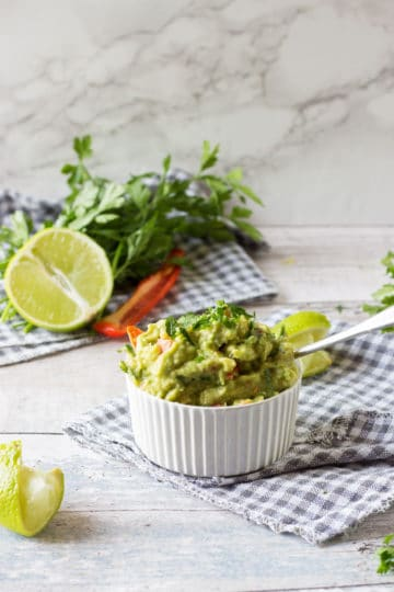 spicy guacamole dip