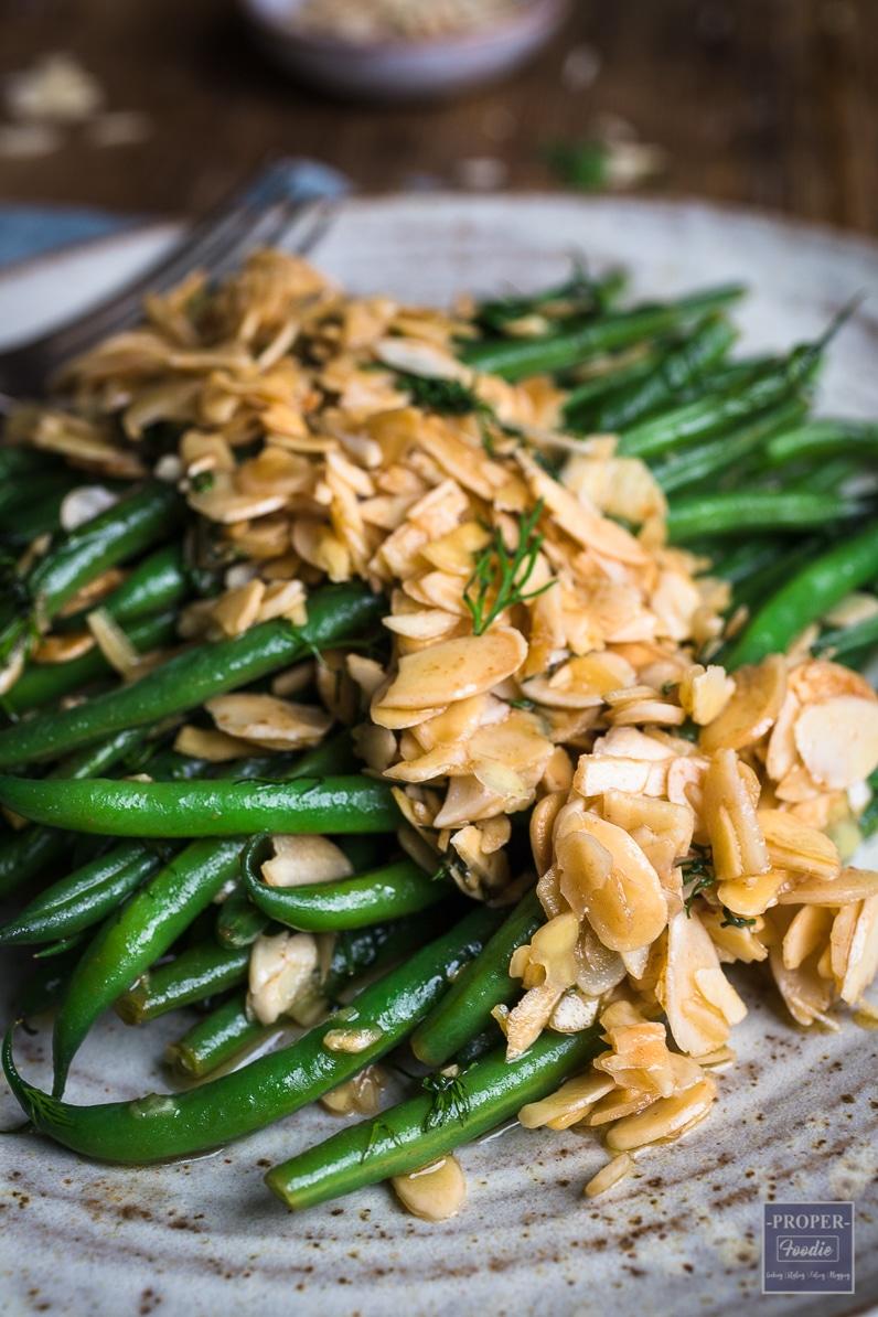 green bean almondine side dish