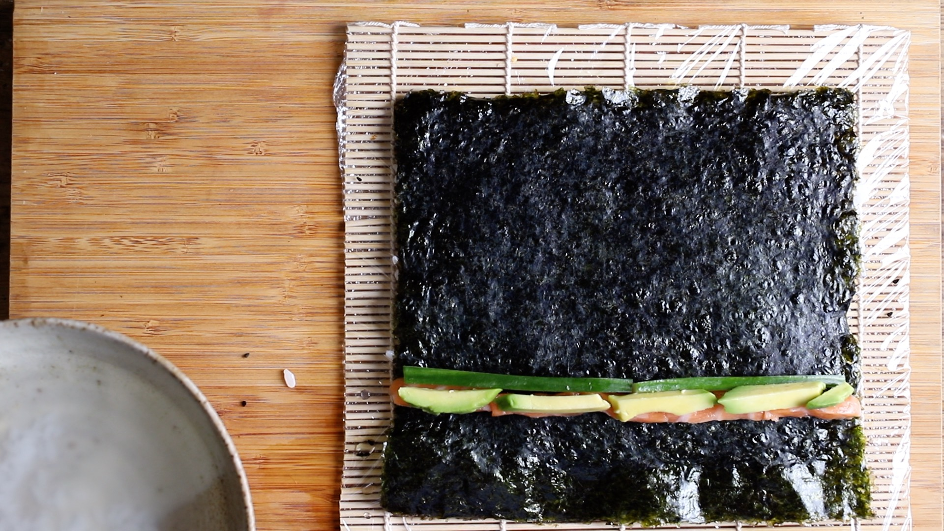 line up veg and fish on the nori