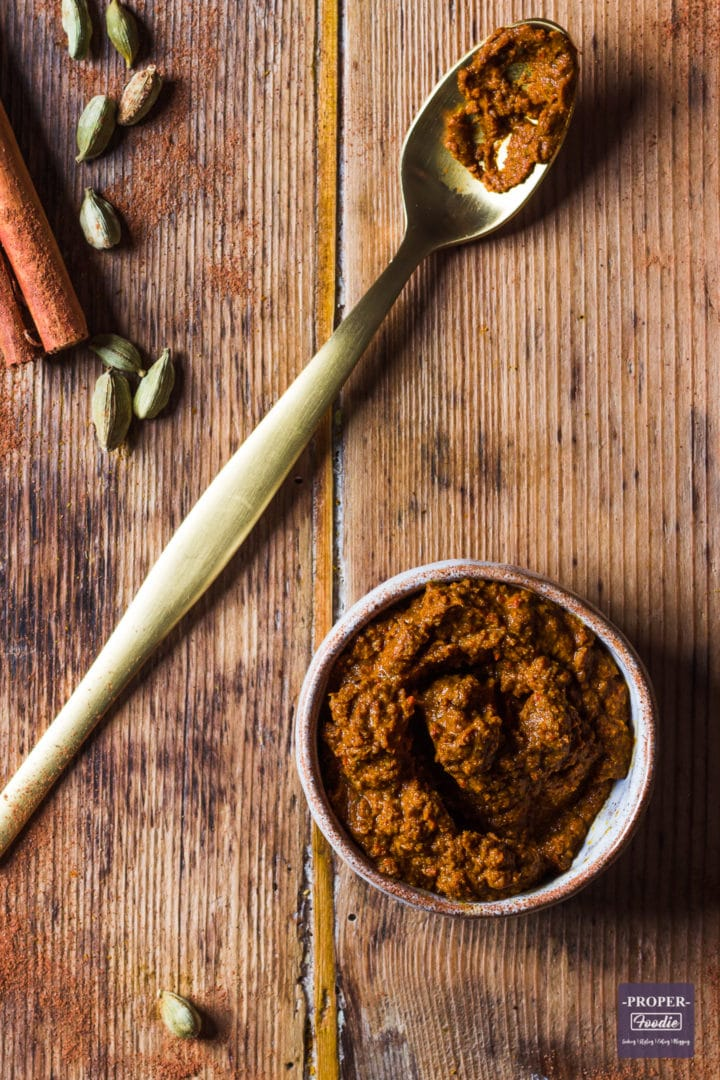 Easy mild Thai curry paste