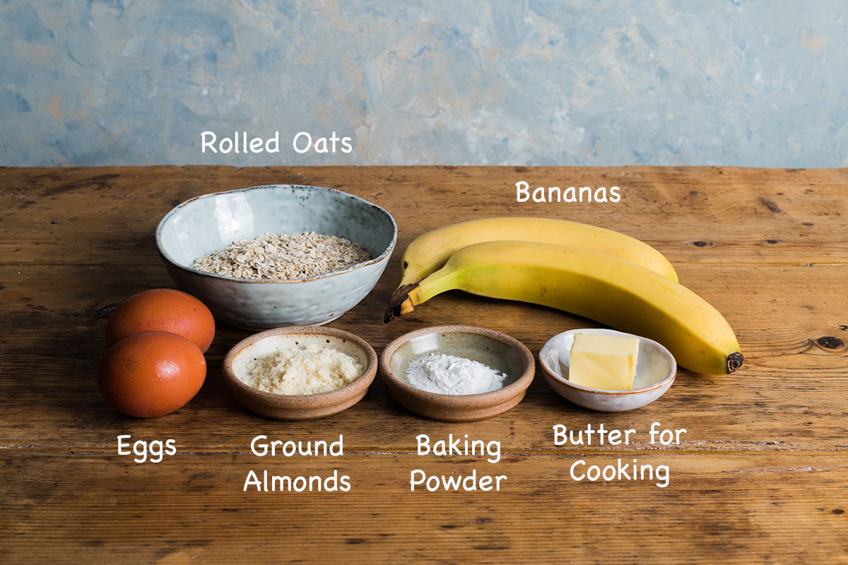 Ingredients needed to make healthy banana pancakes.